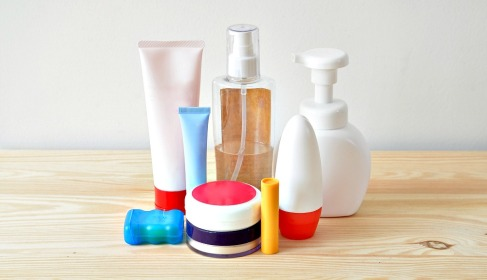 ultimate-guide-to-travel-toiletries-010.jpg
